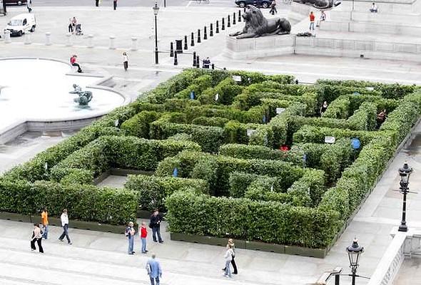 Trafalgar-Square-Maze1